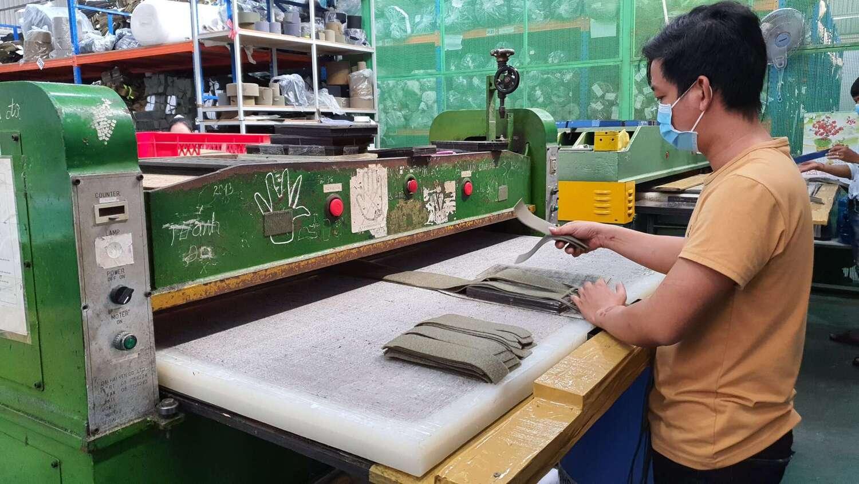 cutting-trims-area-by-press-machine-2
